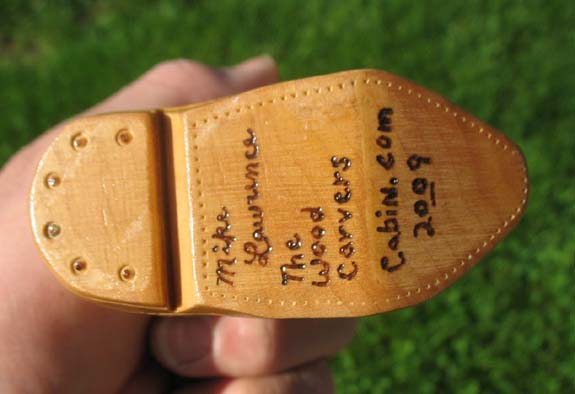 How to carve a cowboy boot - Signature